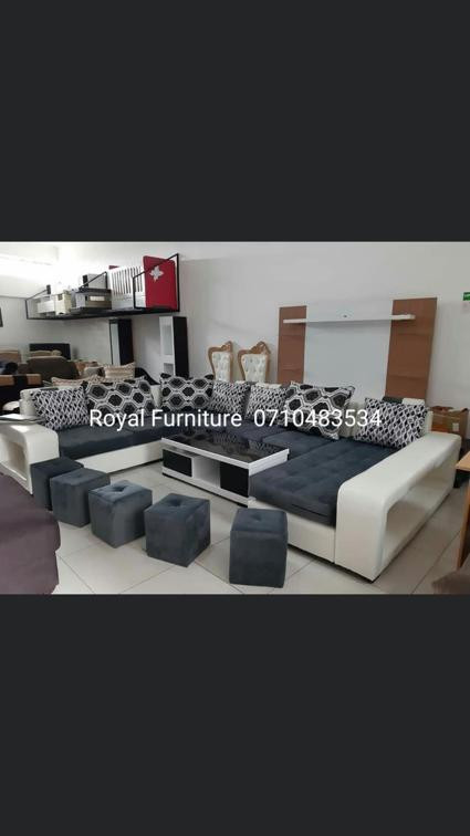 8  seater L- shaped sofa set with 5 puffs