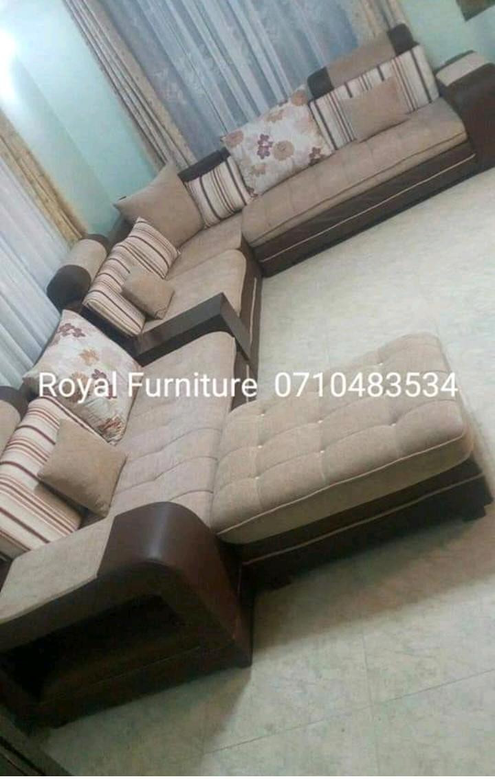 6 seater L sofa set with a puff